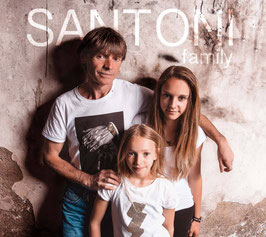 SANTONI family | knocking on
