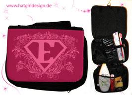 Name Me Held mit Namen © hatgirl.de Badtasche, Schminktasche, Waschtasche, Reisetasche,  Kulturtasche