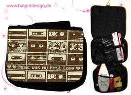 Music was my first love © hatgirl.de Badtasche, Schminktasche, Waschtasche, Reisetasche,  Kulturtasche