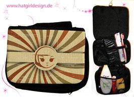 Brown Vintage Girl- hatgirl.de Badtasche, Schminktasche, Waschtasche, Reisetasche,  Kulturtasche