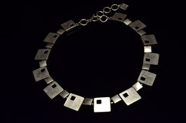 Collier 1057