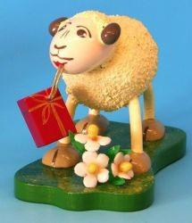 """Schaf """"Gratulanti"""" bringt Geschenke"""