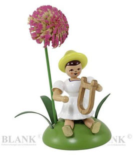 Blumenkind sitzend mit Chrysantheme / Lyra