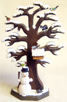 Wintereiche mit Vögeln