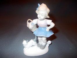 Porzellan- Mädchen mit Katze