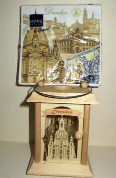 Tischlaterne Dresden mit passenden Sevietten