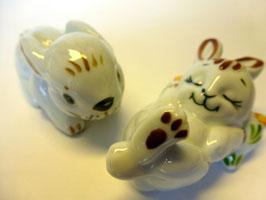 Hasenpaar aus Porzellan