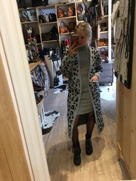 Leopard vest grey