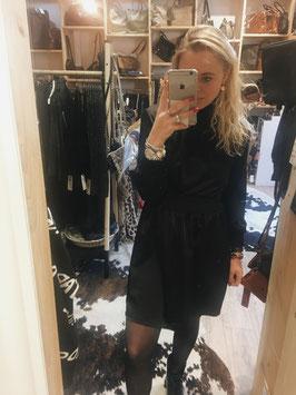 Col dress black