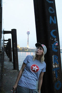 "basic tee girl ""vintage star"""