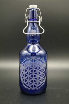 0,75L blaue Glasflasche - Blume des Lebens .3