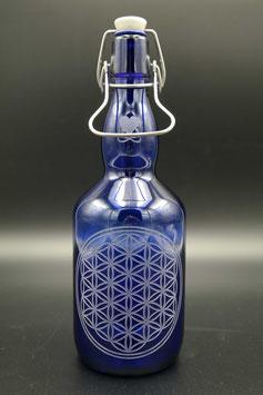 0,75L blaue Glasflasche - Blume des Lebens .1