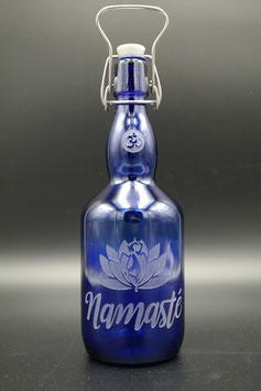 0,75L blaue Glasflasche - Namasté