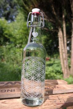 Glasflasche mit der Blume des Lebens und Bügelverschluss , 0,5l