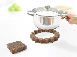 QUAD Trivet - walnut
