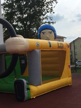Hüpfburg für kleine Rennfahrer