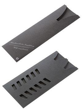 Pappstecketui in schwarz oder weiß