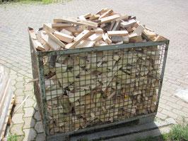 Anmachholz trocken, ofenfertig. Brennholz, Fichte