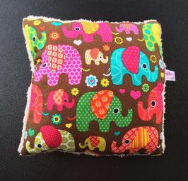 Kleines Kissen Elefanten, Rückseite mit flauschigem Teddystoff (11)