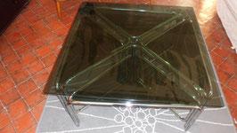 TABLE DE SALON EN VERRE FUME AVEC  SES 4 PETITES TABLES QUI SE RANGENT DESSOUS.