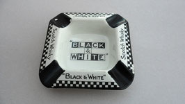 CENDRIER BLACK & WHITE . MADE IN ENGLAND