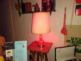 LAMPE DE CHEVET ORANGE. FONCTIONNE