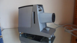AGFA CP35/44 PROJECTEUR DIAPOSITIVES MADE IN GERMANY DANS SA BOITE - FONCTIONNE OK.
