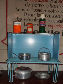 BEANSTALK KAMP KITCHEN  CHICHESTER SUSSEX ENGLAND ETAGERE DE CAMPING ANNEE 60/70