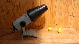 LAMPE A POSER  ORIENTABLE ,  MODELE UNIQUE DITE LA LAMPE LUNAIRE AVEC SES  DIFERENTS ACCESSOIRES.
