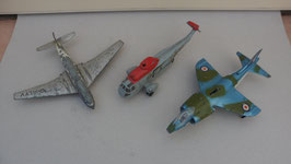 LOT DE 1 AVION + 1 HELICOPTERE DINKY TOYS