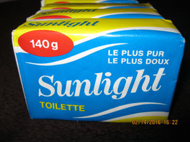 LOT DE 4 SAVONNETTES  SUN LIGHT