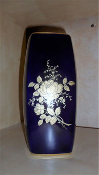 VASE BLEU CJ COLLECTION ECHT KOBALT - DECOR DORE DE ROSES. HAUT 21 CM