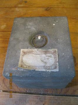 "COFFRE A TRESORS????? COFFRE EN METAL "" JOURNEE DE L EPARGNE 1937"" CGER ANCIENNE BANQUE BELGE"