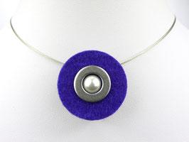 Puristische Halskette mit Anhänger aus violettem Filz, Edelstahl und Perle