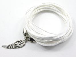 Armband weiß mit Flügel, Farbe personalisierbar