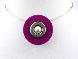Puristische Halskette mit Anhänger aus magentafarbenem Filz, Edelstahl und Perle