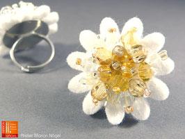 Blumenring Glasschliffperlen, weiß goldfarben