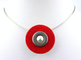 Puristische Halskette mit Anhänger aus rotem Filz, Edelstahl und Perle