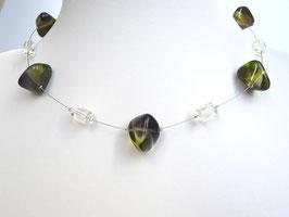 Halskette mit Glasperlen und Acrylperlen olivgrün kristallklar auf weicher Stahlseide