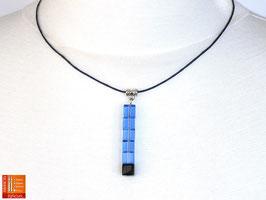 Puristische Halskette Collier PUR Y - blau/schwarz mit Glaswürfeln