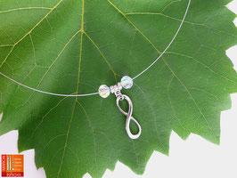 Puristische Halskette Collier PUR Infinity mit Metallanhänger und irisierenden Glasschliffperlen