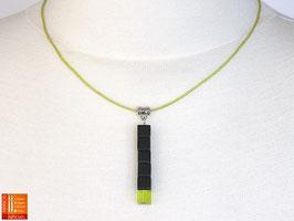Puristische Halskette Collier PUR Y - schwarz/grün mit Glaswürfeln
