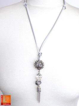 """Halskette mit Kugelanhänger und Seidenbändern """"Grau Silber"""""""
