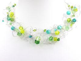 Halskette mit grünen Perlen auf weicher Stahlseide 6-reihig