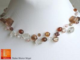 Schwebende Perlen, 3-reihig, braun/weiß