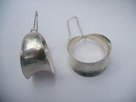 Ohrhänger 925 Silber geschmiedet,  ø 28mm, Breite unten 12mm