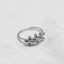 Floral Misty Fingerring