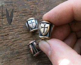 Bronze Trinity Bead ,,Big Shields""