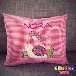 Kissen mit Stickmotiv «Schnecke» mit Name Nora