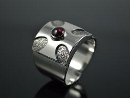 """Männer - Ring """"Cruz"""" Silber / Granat"""